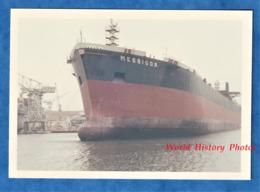 Photo Ancienne Snapshot - PORT VENDRES ? - Port à Situer - Vers 1970 - Bateau MESSIDOR - Pétrolier ? - Boat Paquebot - Bateaux