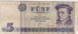 BANCONOTA 5 MARCHI DDR VF (VX970 - [ 6] 1949-1990: DDR - Duitse Dem. Rep.