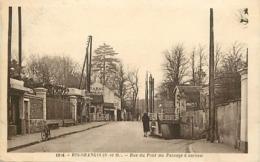 - Essonne -ref-A766- Ris Orangis -rue Du Pont Au Passage à Niveau - Ligne De Chemin De Fer - Garage De La Gare - Garages - Ris Orangis