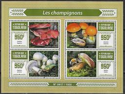 2015 Togo Flora Y Fauna Hongos Mushrooms Insects Blok De 4v, Mint. - Mushrooms