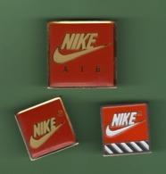 NIKE AIR *** Lot De 3 Pin's Differents *** 1062 (122) - Marcas Registradas