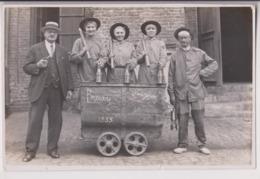 CARTE PHOTO CRENDAL BRUAY : CAFUS - LAMPISTES - MINEUR - MINES DE BRUAY 1933 -LAMPES A BENZINE- WAGONNET -z R/V Z- - Mines