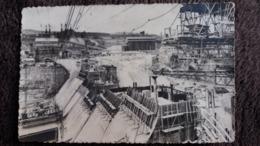 CPSM GENISSIAT AIN BARRAGE PAREMENT AVAL VU DE LA RIVE GAUCHE ED BOYER BARRAGE EN CONSTRUCTION - Génissiat