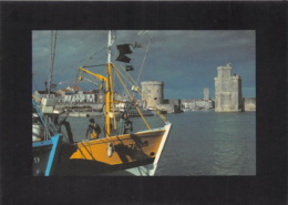 LA ROCHELLE Chalutiers Dans L Avant Port A L Entree Du Vieux Port La Tour De La Chaine 6(scan Recto-verso) MA1841 - La Rochelle
