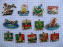 PIERROT Lot De 13 Pin's - Badges