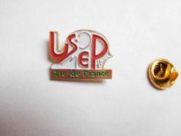 Beau Pin's , USEP Ile De France , Union Sportive De L'enseignement Du Premier Degré - Badges