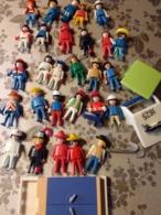 LOT PLAYMOBIL 28     FIGURINES ET AUTRES VOIR PHOTO ANNÉE 1974 BON ETAT GENERAL - Playmobil