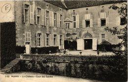CPA AUNAY-Le Chateau Cour Des Gardes (420935) - Otros Municipios