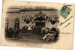 CPA MONTARGIS - Le Couronnement De La Rosiere (213005) - Montargis