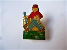 PINS We Build For Shrine Soldat / Base Dorée / 33NAT - Militaria