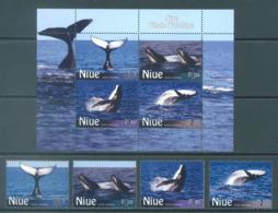 NIUE  - 2010 - MNH/***  - WHALE - Yv 927-930 BLOC 161 - Lot 20405 - Niue