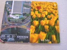 2 X Singapore Used GPT  Cards, 32SIGH/34SIGA  Flowers Tulips/ Monument - Singapore