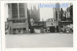Campagne De France 1940 - Amiens - Quartier De L'Église Saint-Rémi D'Amiens - 1, 3, ... Rue Dumeril - Westfeldzug - War, Military