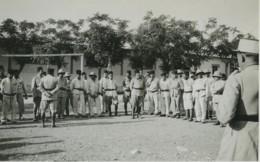 Tunisie Tunis Carthage Présence Militaire Française 12 Anciennes Photos 1940 - Afrique
