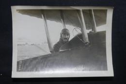 AVIATION - Photo De L' Aviateur Bossoutrot - L 43612 - Aviazione