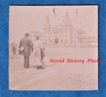 Photo Ancienne - LE TREPORT ( Seine Maritime ) - Couple Se Rendant Au Casino - Vers 1900 - Histoire Patrimoine - Photos