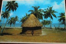 Petit Lot De 4 CPM NOUVELLE-CALEDONIE: Case Mélanésienne, Caserne Gally, Baie Des Citrons, Vue Aérienne De La Ville ... - Nieuw-Caledonië