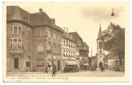 R98 - MUNSTER Rue De La République - 1936 - Verso DAGUIN MUNSTER SA VALLEE SES FORETS - - Munster