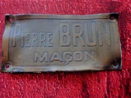 PIERRE BRUN MAÇON Publicité  Plaque Publicitaire  Plaque En CUIVRE  (avant 1960)  Thèmes - Plaques Publicitaires