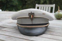 Casquette Ancien Modèle De La Police - Headpieces, Headdresses