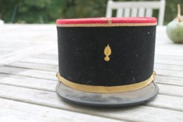 Képi Francais De Sous Officier D'infanterie - Cascos
