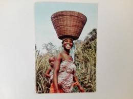 [KENIA] - 1970 - Young Mother - Kenya