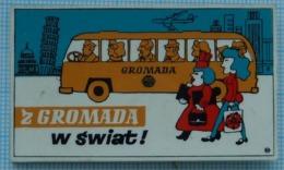 Poland / Badge /  Polish People's Republic. Advertising. Travel Agency Gromada. Bus. Transport 1970-80s - Marche