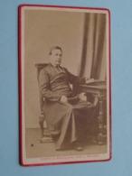 Pater Prètre Priester Father Priest Curé Vicaire Bisshop Père Pastoor Kanunnik ( CDV Photo Théoph. BRACKELAIRE Tournai ) - Anciennes (Av. 1900)