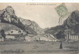 11. Les Forts De JOUX Et Du LARMONT . 1 TRACE DE PLI VISIBLE SEULt AU VERSO . AFFR SUR LE RECTO - Pontarlier