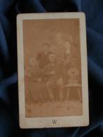 Photo CDV Walery à Marseille - Couple Et Leurs Fils Dont Un Séminariste, Second Empire Circa 1865-70 L467 - Photos