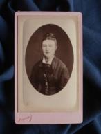 Photo CDV Reynouls à Béziers - Jeune Femme Portrait Embossé  Vers 1875-80 L467 - Photos