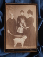 Photo Cabinet B. Gerby à Toulon - Trois Femme Et Un Jeune Enfant, Petit Bélier Jouet Circa 1885-90 L469 - Photos