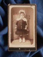 Photo CDV B. Barbot à Toulon - Jeune Enfant En Robe Avec Une Trompette Et Une Coiffe Circa 1885 L469 - Photos