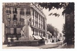92 Montrouge N°890 Monument Aux Morts Avenue De La République Magasin Debard Voitures Autos Camion VOIR DOS - Montrouge