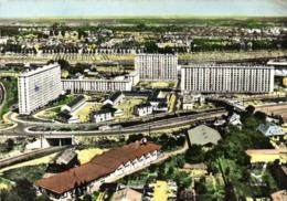 CPSM Grand Format EN AVION AU DESSUS  DE ....ORLEANS  Cité Des Acacias Vue Generale Colorisée RV - Orleans