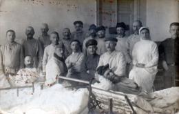 CARTE PHOTO ALLEMANDE CAMBRAI 1916 HÔPITAL MALADES - Cambrai
