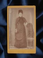 Photo CDV  Roubieu à Béziers  Femme Portant Une Coiffe Noire  CA 1875 - L467 - Photos