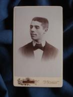 Photo CDV  Royer à Nimes  Portrait Jeune Homme  Cheveux Coupe En Brosse  CA 1890 - L467 - Photos
