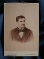Photo Format Cabinet  Provost à Béziers  Portrait Homme  Col Cassé  Cheveux  Coupe En Brosse  CA 1890 - L467 - Photos