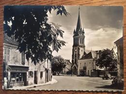 CPM, LANOUAILLE, Dordogne (24), écrite En 1970, Animée Voitures Anciennes, éd Dussol,Trouville - France