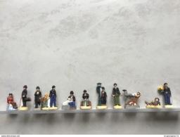 Rare Série Complète 11 Fèves PERSO Brutes Filets Argent CHARLOT FAIT SON CINÉMA Charlie Chaplin /la Ronde Des Pains 2012 - Characters