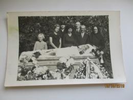 POST MORTEM , FUNERAL DEAD BOY IN COFFIN , OLD POSTCARD , 0 - Photographs
