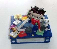 Figurine Betty Boop Porte Crayon Et Autre - Zonder Classificatie