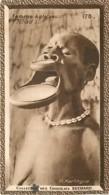 S9  TCHAD FEMME A PLATEAUX 10,5 X 6,5cm TRADECARD CHOCOLATE Colonies France Afrique - Vieux Papiers