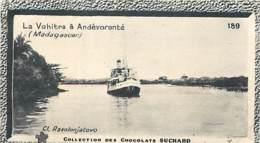 S9  MADAGASCAR  Navire Sur La VOHITRA Tananarive10,5 X 6,5cm TRADECARD CHOCOLATE Colonies Afrique - Vieux Papiers