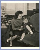 COUPURE De PRESSE 1955 - 19,5 X 24 Cm - PHOTO ACTRICE MICHELINE PRESLE Et Son FILS MIKE MARSHALL - CINÉMA FILM - Other Collections