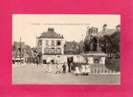 62, Pas-de-Calais, CALAIS, La Place Richelieu Et Les Bourgeois De Calais, Animée, Commerces, Précurseur - Calais