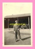 PHOTO    DE SOLDATS A LA CASERNE DE Boppard En Allemagne - Oorlog, Militair