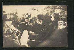 CPA Clemenceau, Ministerpräsident Von Frankreich, Bei Einer Kutschfahrt - Politische Und Militärische Männer