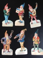 Circa 1900 Bel Ensemble Chromos Decoupis  Nain Nains Musicien Violon Clarinette Violoncelle Guitare 7,5 Cm - Immagine Tagliata